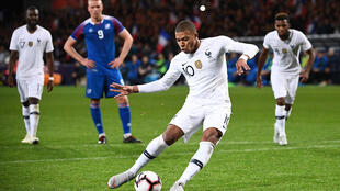 Mbappé : trop jeune pour le Ballon d'Or ?