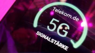 ក្រុមហ៊ុនទូរគមនាគមន៍អាល្លឺម៉ង់ បង្ហាញរូបសញ្ញា 5G នៅក្នុងឱកាសពិពណ៌ផលិតផលបច្ចេកវិទ្យា IFA នៅប៊ែរឡាំង ថ្ងៃទី៥ កញ្ញា ២០១៩