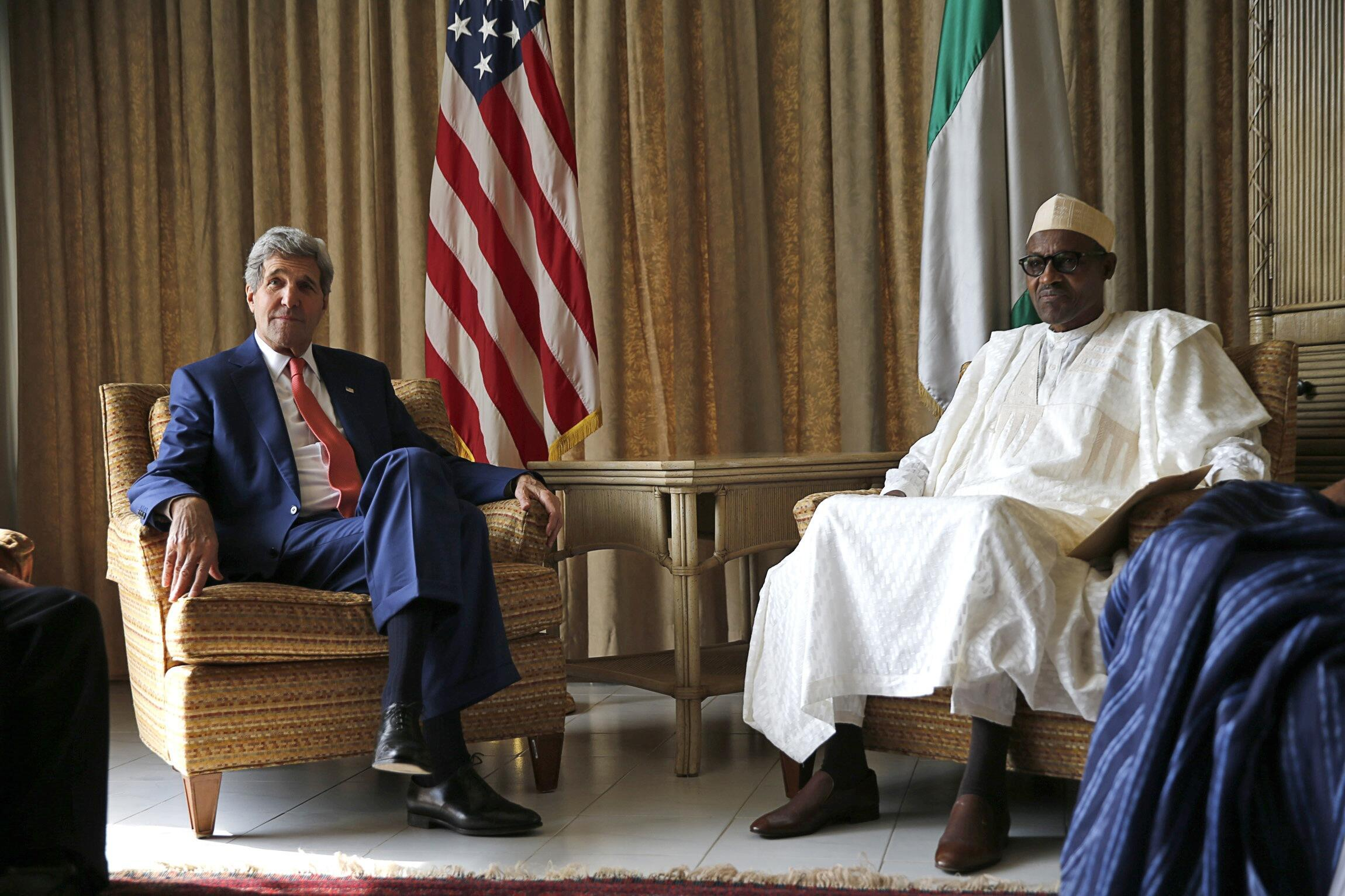 Waziri wa Mambo ya nje wa Marekani John Kerry alipokutana na kiongozi wa upinzani nchini Nigeria Muhammadu Buhari jijini Lagos