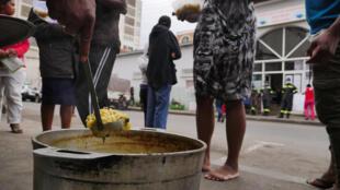 Hopital Tsaralalana - antananarivo - soupe populaire - distribution