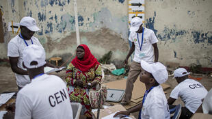 Opération de dépouillement à Bujumbura, Burundi, le 29 juin 2015.
