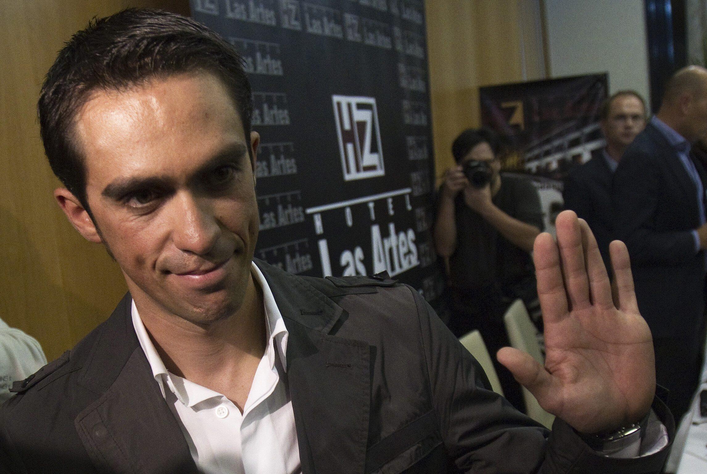 El ciclista español Alberto Contador en el transcurso de la conferencia de prensa, el 7 de febrero de 2012.