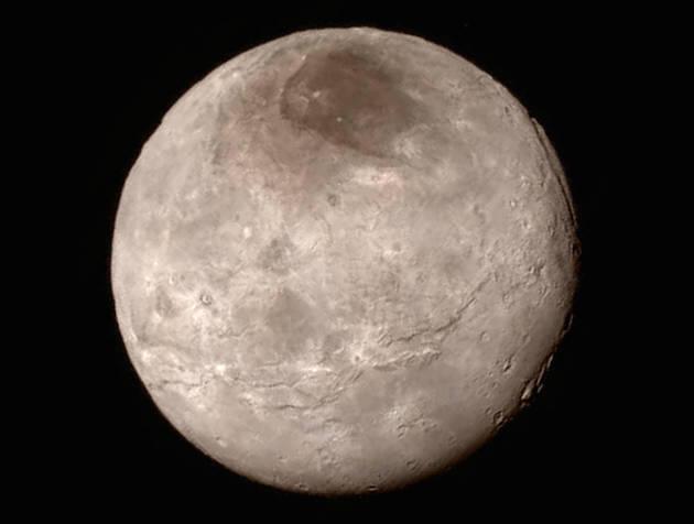 """""""新視野號""""近距離飛越冥王星傳回首批影像之一"""