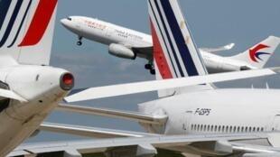 一架中國東方航空公司客機資料圖片