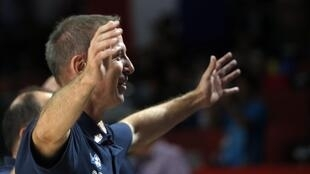 El entrenador del equipo de Francia, Vincent Collet, celebra la victoria frente a España, en Madrid, el 10 de septiembre de 2014.