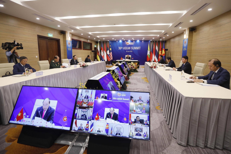 Phòng họp thượng đỉnh khối ASEAN lần thứ 36 qua cầu truyền hình, Hà Nội, ngày 26/06/2020. Năm 2020, Việt Nam là chủ tịch luân phiên của ASEAN.