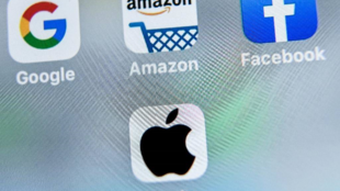Logotipos de Google, Apple, Facebook et Amazon.