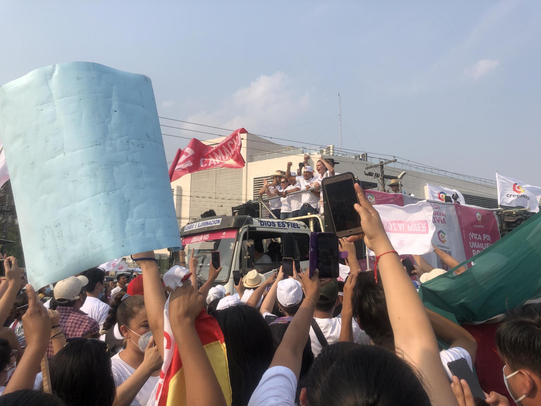 Parade de fermeture de campagne à Santa Cruz de Luis Fernando Camacho, le troisième homme des élections générales en Bolivie.