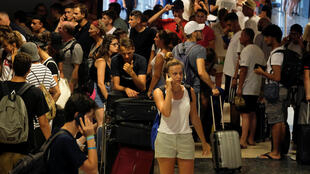 Filas de passageiros da companhia aérea Ryanair em Valência, na Espanha, em 25 de julho de 2018.