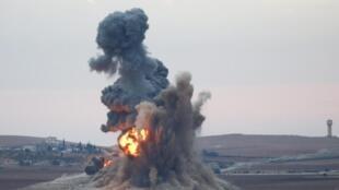 Một đợt không kích IS tại Kobané, ngày 23/10/2014.