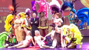 Fashion Freak Show sur la scène des Folies Bergères à Paris.