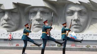 2020-06-22T092943Z_1804216642_RC29EH9TWG4X_RTRMADP_3_WW2-ANNIVERSARY-RUSSIA