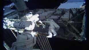 Женщины проведут в открытом космосе больше шести часов
