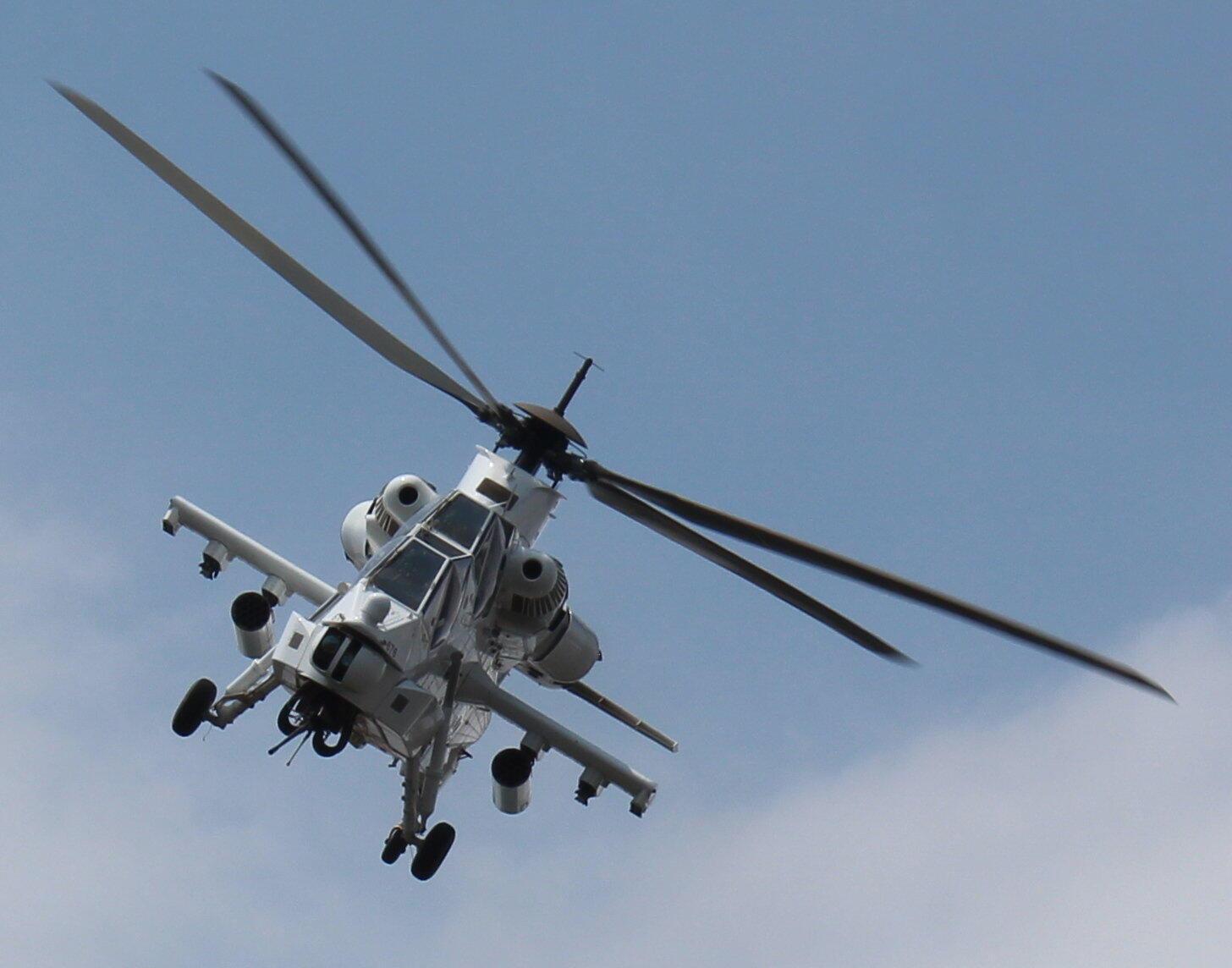 Le Rooivalk, hélicoptère d'attaque du groupe sud africain Denel.