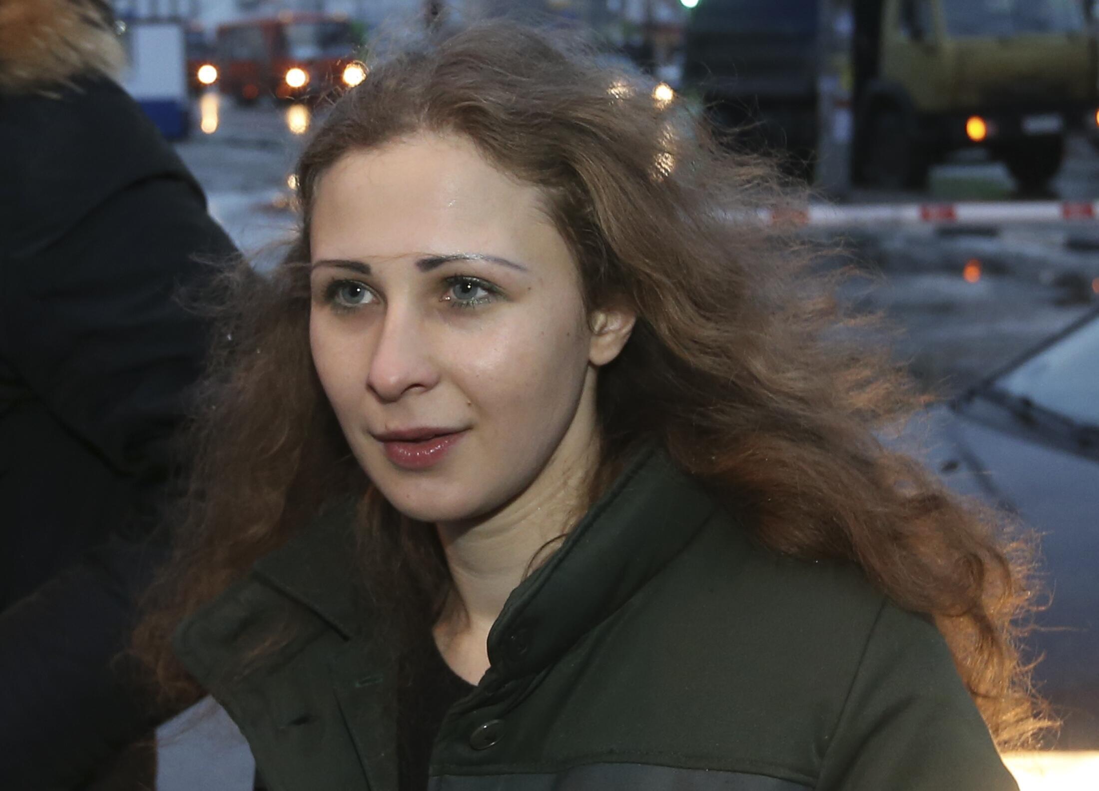 Maria Alekhina foi a primeira integrante do grupo Pussy Riot a beneficiar da anistia nesta segunda-feira, 23 de dezembro de 2013.