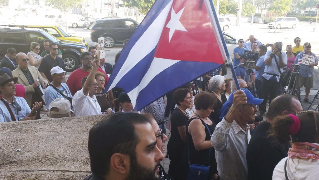 Maandamano ya mshikamano pamoja na wapinzani kutoka Cuba katika miji ya Miami na Florida, Desemba 30 mwaka 2014.