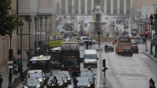 К 2030 году во французской столице будет полностью запрещено движение автомобилей на жидком топливе.