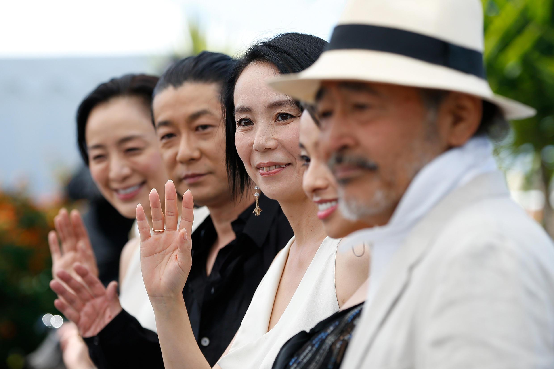 日本『光』劇組成員戛納紅地毯亮相