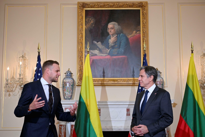 立陶宛外长兰斯伯吉斯与美国务卿布林肯资料图片