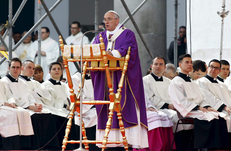 Giáo hoàng Phanxicô tại quảng trường Plebiscito, Napoli, 21/03/2015.