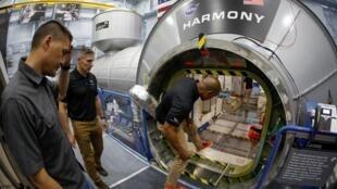 Equipes comerciais da Nasa já fazem testes em uma réplica da Estação Espacial Internacional no Texas.