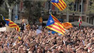 Rassemblement en faveur de l'indépendance de la Catalogne, à Barcelone, le lundi 2 octobre 2017.