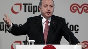Lors d'un discours, ce 15 décembre 2014, le président Erdogan s'en est violemment pris à l'Union européenne, qui a critiqué une vague d'arrestations la veille, opérée au sein de médias turcs.
