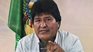 Capture d'écran d'une vidéo diffusée à la télévision bolivienne où le président Evo Morales annonce sa démission, le 10 novembre 2019.