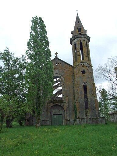 Igreja de Sainta Tereza de Léojac, em Moutauban, no sudoeste, é uma das muitas propriedades da Igreja Católica na França que foram abandonadas.