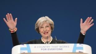 La Première ministre britannique Theresa May, ce dimanche 2 octobre 2016, lors de son discours au Congrès des conservateurs à Birmingham.