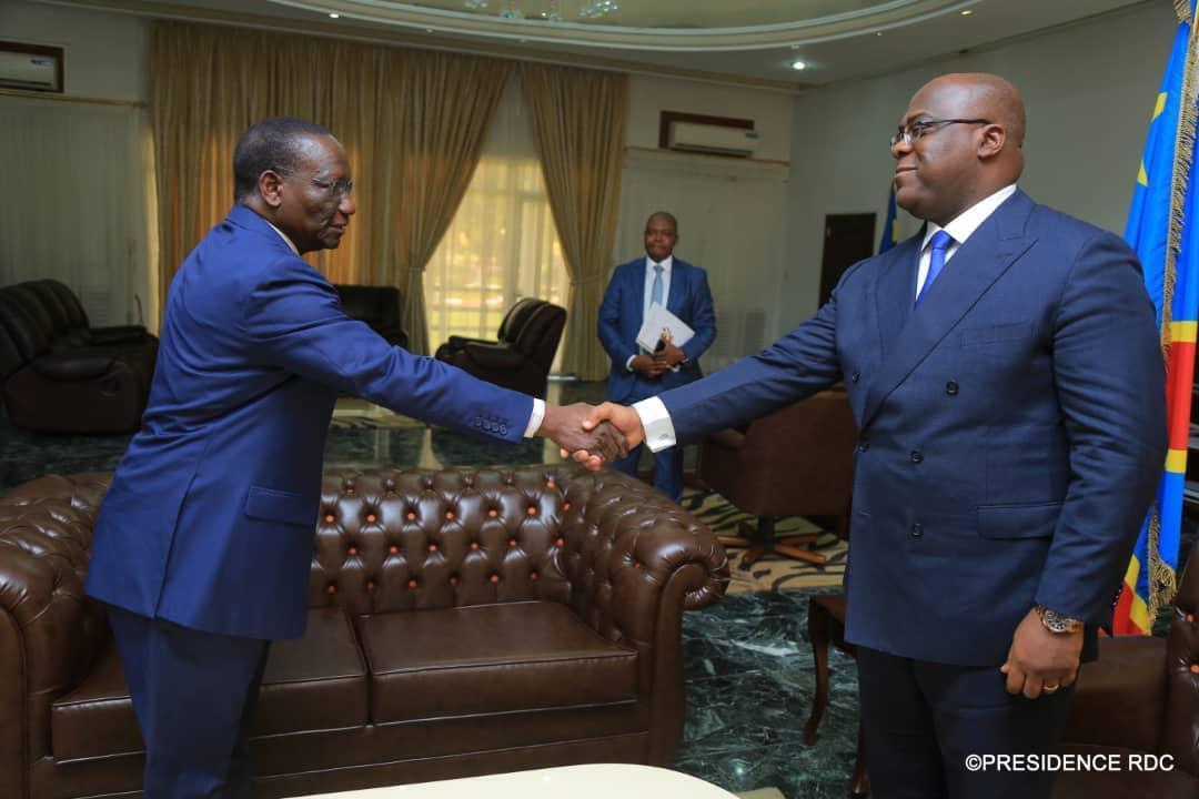 Le président Félix Tshisekedi (d) et le nouveau Premier ministre Sylvestre Ilunga Ilunkamba.