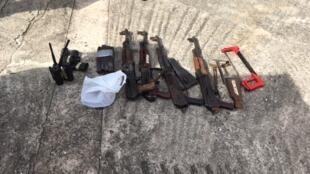 Des armes ont été retrouvées lors de l'arrestation des braqueurs présumés.