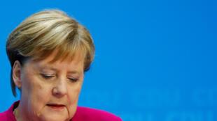 آنگلا مرکل، صدراعظم آلمان اعلام کرد که تا سه سال دیگر از جهان سیاست کنار میرود