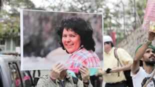 Foto de Berta Cáceres en una manifestación en Tegucigalpa, en marzo de 2017.