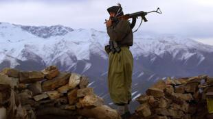 Un membre armé du PKK.