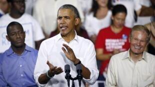 """وباما در یک سخنرانی مفصل در فلوریدا همه کوشش خود را به کار برد تا زمینه برای پیروزی نامزد دموکرات """"اندرو گیلوم"""" به عنوان نخستین فرماندار آفریقایی تبار در این ایالت فراهم آورد."""