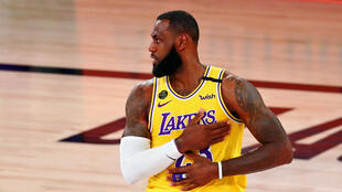 Le basketteur NBA LeBron James.