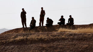 កងទ័ពគួឌីស្ថាន peshmerga ឈរជើងនៅចន្លោះខេត្ត Kirkouk និង Erbilថ្ងៃទី ២០ តុលា ២០១៧