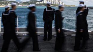 美國航母上的海軍士兵在釜山 2017年10月21日