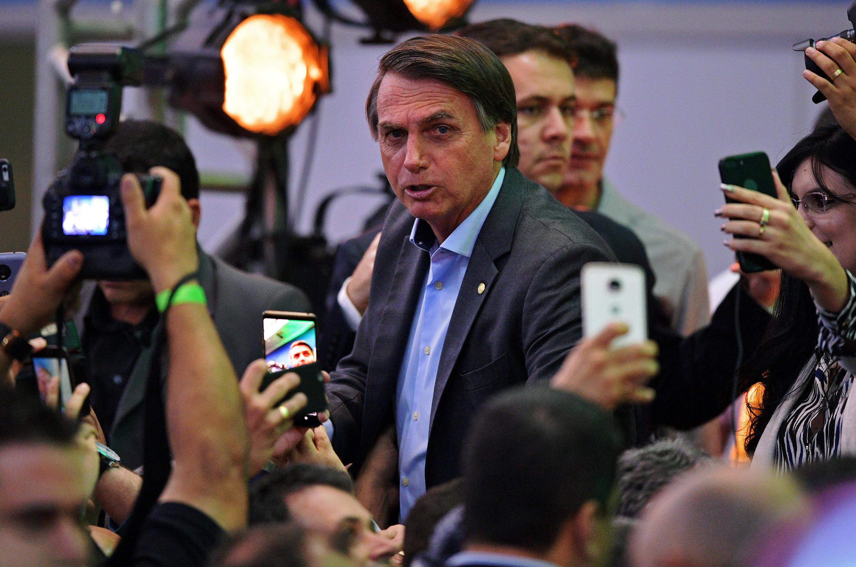Jair Bolsonaro tare da magoya bayansa