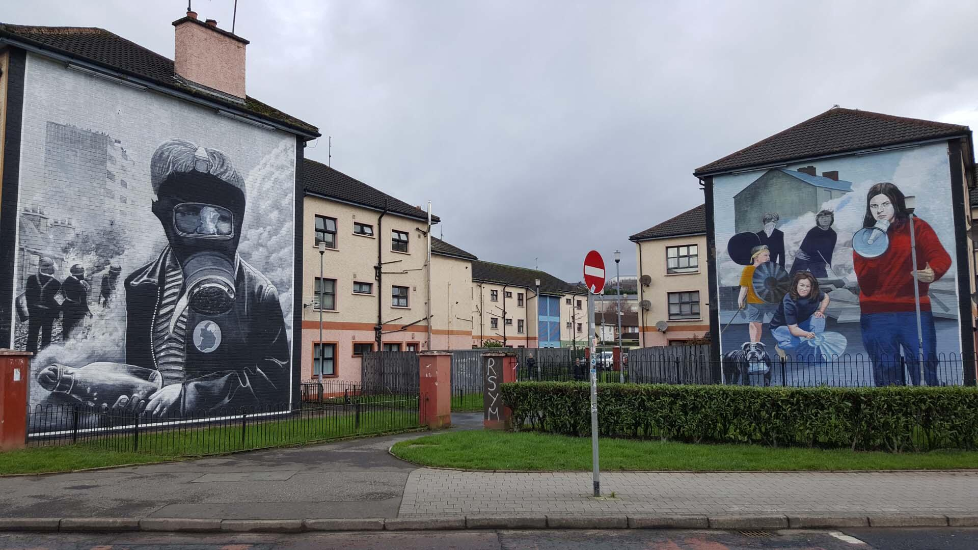 Walls painted in the Bogside, in the Catholic district of Derry.