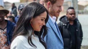 Meghan Markle, duquesa de Sussex e Príncipe Harry foram entrevistados nos Estados Unidos, onde actualmente residem, pela apresentadora vedeta da CBS Opah Winfrey.