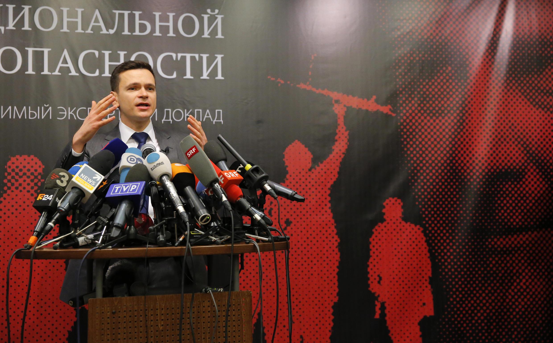 Илья Яшин представил доклад о Рамзане Кадырове 23 февраля 2016.