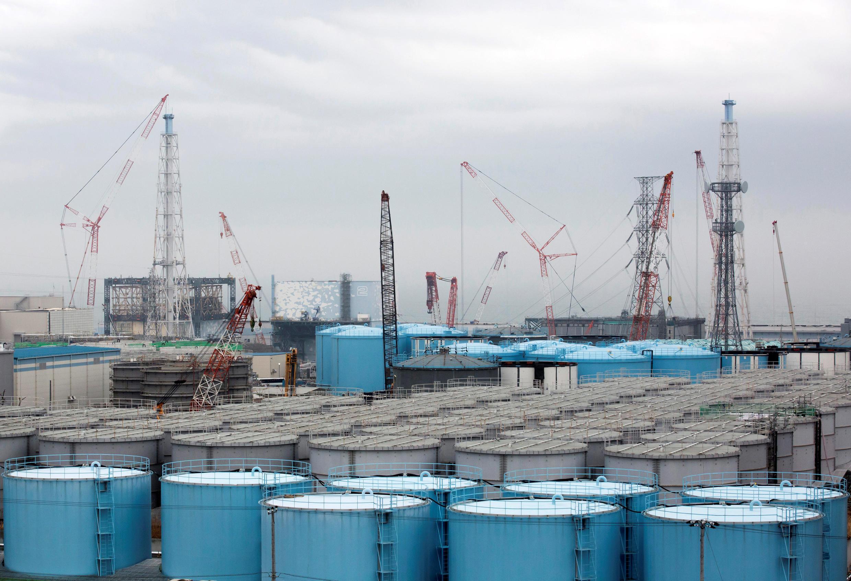 Des citernes stockent les eaux contaminées sur le site de Tepco à Fukushima, février 2017.