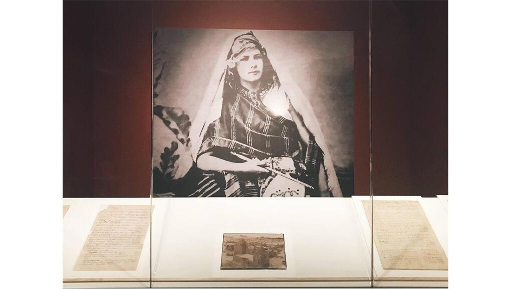 L'exposition «Isabelle Eberhardt, de l'une à l'autre» présentait pour la première fois dans sa ville natale des manuscrits originaux de l'écrivaine.