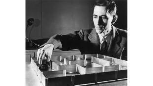 Le mathématicien Claude Shannon, en mai 1952.