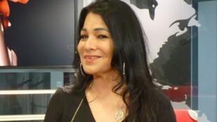 Laura Buenrostro en los estudios de RFI