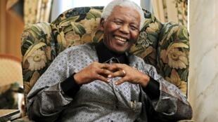 存档图片:南非前总统曼德拉(2008年)