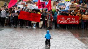 Демонстрация в Таллине против создания коалиции с крайне правой партией EKRE. 31 марта 2019 г.