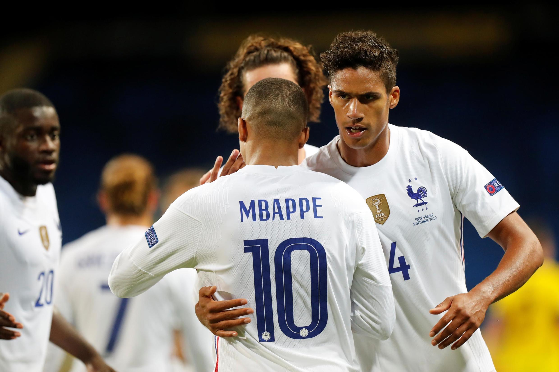 Kylian Mbappé, que está com a Covid-19, comemora gol contra a Suécia no sábado, dia 5 de setembro